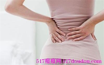 女人下巴长痘痘到底是什么原因?