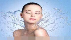 怎样正确给皮肤补水呢?痘痘肌适用吗?